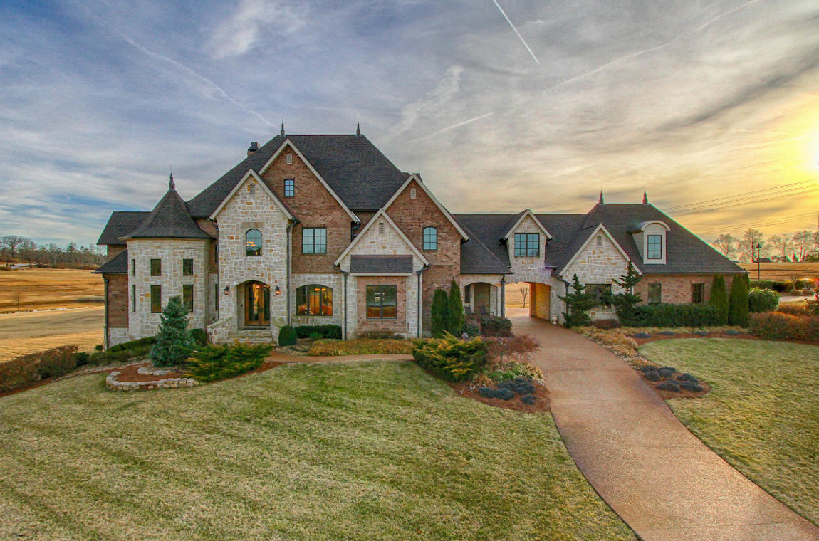 Lifestyle construction nashville custom home builders for Custom house builder online